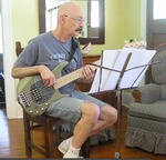 Tony Levin plays bass on Peri039s new album Blessings